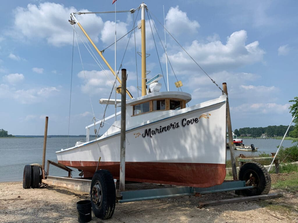 Johnson & Sons Seafood - Mariner's Cove